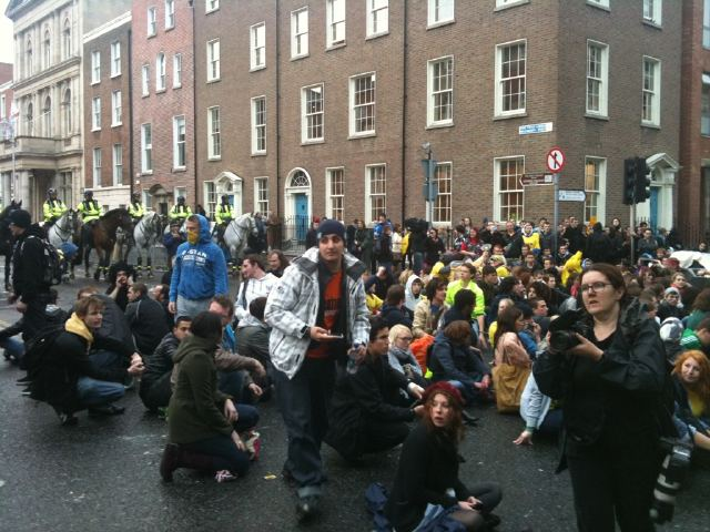 Image of student demonstrators posted on yfrog by @smissmac
