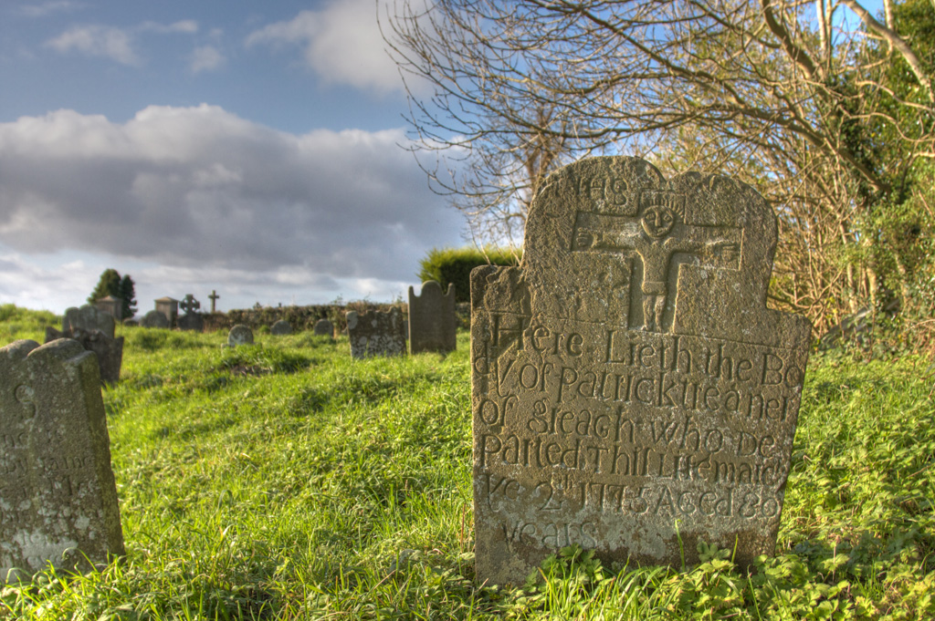 Headstone in Tydavnet Old Graveyard © Darren McCarra/The Sociable.