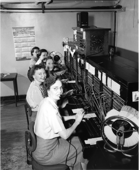 Telephone operators 1952