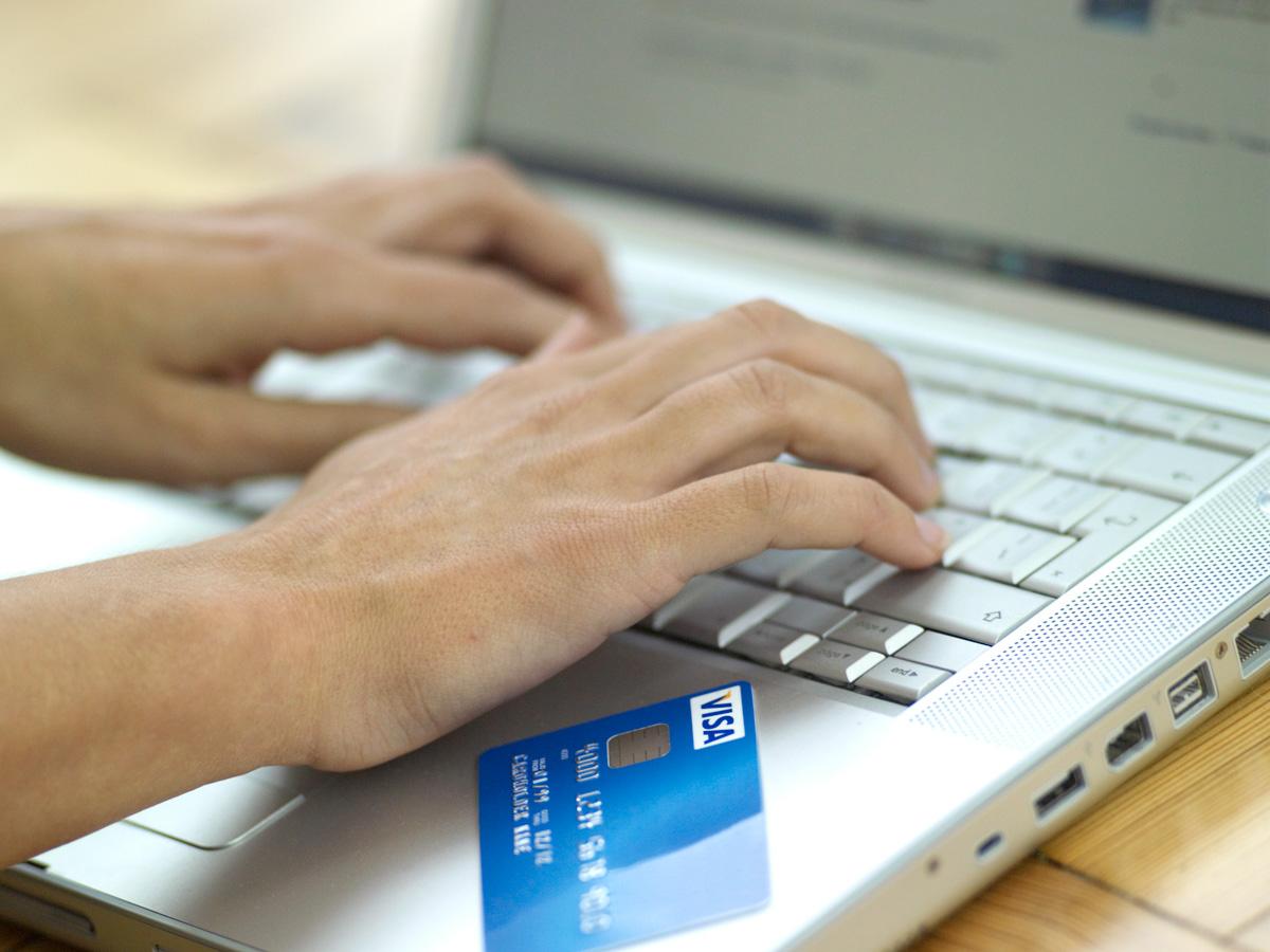Global online sales increased by 25% in 2010
