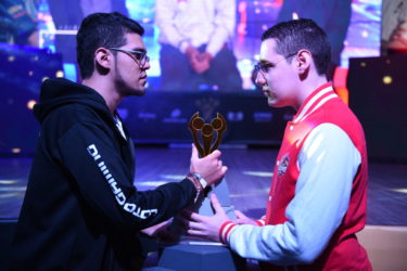 Professional e-sports players Murillo (from Bucaramanga) and Hobbler (from Medellin).